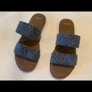 Sanuk slide on summer shoes size 7 elastic